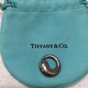 Tiffany & Co. Eternal circle pendant.